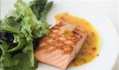 Salmão e outros peixes de águas frias e profundas são ricos em gorduras boas - Foto: Getty Images