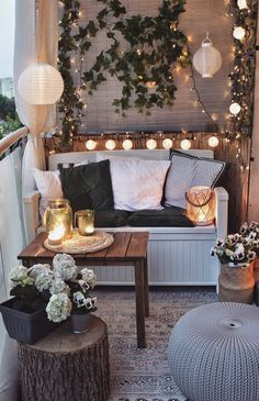 27 Comfy Balcony Ideas for Small Apartment – Unique Balcony & Garden Decoration and Easy DIY Ideas 27 comfortable balcony ideas for a small apartment – balcony # balcony # balcony garden # balcony # ideas # small balcony Small Balcony Design, Small Balcony Decor, Small Patio Ideas Townhouse, Outdoor Balcony, Patio Balcony Ideas, Modern Balcony, Small Balcony Garden, Cozy Patio, Apartment Balcony Decorating