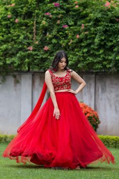 Best Bridal Wear in Pune Indian Bridal Outfits, Indian Fashion Dresses, Dress Indian Style, Indian Designer Outfits, Bridal Dresses, Designer Dresses, Long Gown Dress, Lehnga Dress, Choli Designs