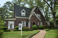 9 Overlooked Items to Prep Your Home for Sale (Lucy Roberts St. Charles, MO  www.luciaroberts.com)