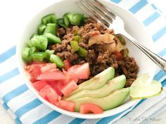 This is a really easy lunch to make! Paleo taco bowl. Add all your favourite good for you taco toppings.
