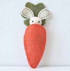 felt bunny  https://www.etsy.com/pt/listing/53516205/reserved-for-gina?cuid=3d99616fdc089d4292155dd2698c6667&source=aw&utm_source=affiliate_window&utm_medium=affiliate&utm_campaign=us_location_buyer&utm_content=85386