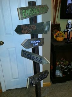 Wizard of Oz Party signs