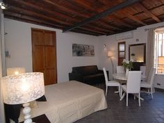 Rome: Gorgeous Studio Apartment, 50 Meters from the Spanish Steps  !