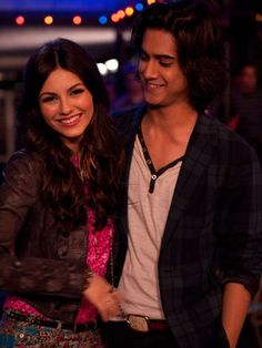 """Tori And Beck from """"Victorious"""" May ~Finally~ Get Together In Victoria Justice and Avan Jogia's New Movie Tori And Beck, Tori Tori, Tori Vega, Beck From Victorious, Icarly And Victorious, Avan Jogia Victorious, Elizabeth Gillies, Victorious Nickelodeon, Ariana Grande"""