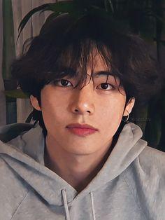 My little Prince: Taehyungie~ – Bts Fun Bts Taehyung, Bts Bangtan Boy, Namjoon, Bts Jimin, Vintage Wallpaper, V Bts Wallpaper, Bts Wallpaper Iphone Taehyung, Iphone Wallpaper, Foto Bts