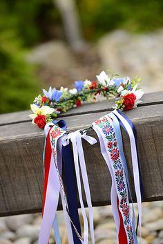 Folk venček by michelle flowers / miselkatt - SAShE. Folklore, Floral Tie, European Countries, Culture, Traditional, Czech Republic, Flowers, German, Crafts