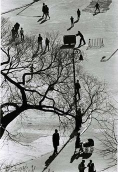 Andre Kertesz, New York City, gelatin silver print, 1978 Andre Kertesz, Paint Photography, Film Photography, Street Photography, Landscape Photography, Budapest, Mondrian, Photo Essay, Illustrations And Posters
