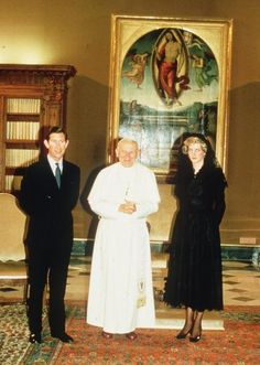 April 29, 1985: Prince Charles and Princess Diana meet privately with Pope John Paul II at the Vatican, Rome.