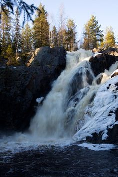 Hepoköngäs is one of Finland´s highest waterfall Water Reflections, Winter Art, Countries Of The World, Amazing Architecture, Planet Earth, Beautiful World, Wonders Of The World, Lakes, Finland