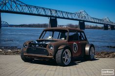 Aggressive Sport Mini ★ App for MINI ★ Mini Cooper Warning Lights guide, now in… Rat Rods, Classic Mini, Classic Cars, Mini Cooper Classic, Automobile, John Cooper Works, Rc Autos, Small Cars, Modified Cars