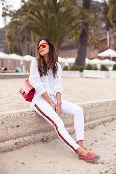 Song of Style con alpargatas Chanel Song Of Style, Style Me, Cool Style, White Outfits, Summer Outfits, Aimee Song, Look Chic, Street Style Women, Spring Summer Fashion