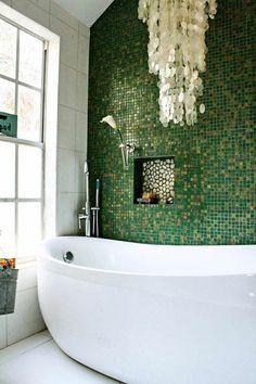 salle de bain vintage superbe avec mosaïque verte et accessoires ...
