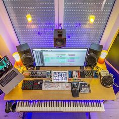 Music Studio Desk Tips 36 Ideas Home Recording Studio Setup, Home Studio Setup, Music Studio Room, Home Office Setup, Studio Ideas, Sound Studio, Office Workspace, Study Table Designs, Music