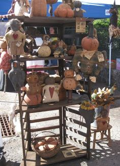 Sassafras Hill Primitives Blog: A nice day for a craft show... some photos