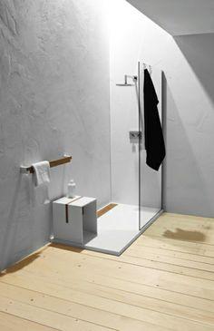 duschwand glas schlichtes design badezimmer holzboden