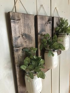 tips and guide on rustic home decoration Rustic Wall Sconces, Rustic Walls, Rustic Decor, Farmhouse Decor, Colored Mason Jars, Painted Mason Jars, White Home Decor, Diy Home Decor, Room Decor