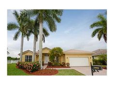View property details for 1000  Waterside Cr, Weston, FL. 1000  Waterside Cr is a Single Family property with 5 bedrooms and 3 baths sold for $700,000. MLS# A2142019.