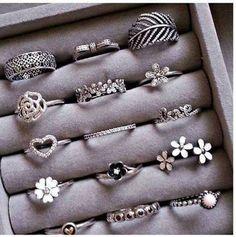 cute rings uploaded by Sally on We Heart It Fancy Jewellery, Stylish Jewelry, Cute Jewelry, Bridal Jewelry, Kids Jewelry, Jewellery Making, Jewelry Design Earrings, Jewelry Accessories, Pinterest Jewelry