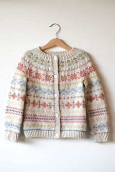 Diy Crafts - I Made This - Felicia Semple — The Craft Sessions Punto Fair Isle, Motif Fair Isle, Fair Isle Pattern, Fair Isle Knitting Patterns, Baby Cardigan Knitting Pattern, Knit Patterns, Knitting For Kids, Baby Sweaters, Ravelry