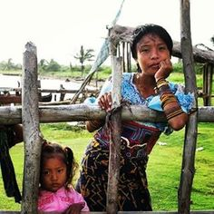 #Beautiful Mother & child we met in the San Blas islands, #Panama. We were waiting for a plane to take us back to the mainland and they were hanging out by the airport. #memories #travelphotography #photooftheday #travelphoto #instatravel #traveltheworld