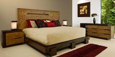 Recamara elaborada en madera de encino, cabecera, buro y cómoda, en color tabaco y miel.