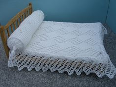 Ravelry: HMC26 Lacy bedcover and bolster for the dolls house pattern by Helen Cox