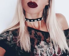 dark lips + choker ♡♥