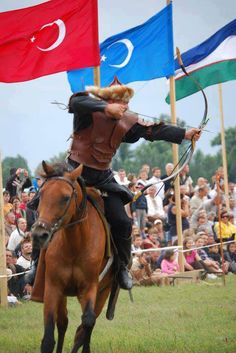 At üzerinde Türk, okçuluk, Turkish archery on horseback