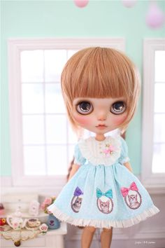 Juju'sBlythe outfit dots dance with kitten by MidsummerCircus Super cute hair and dress!