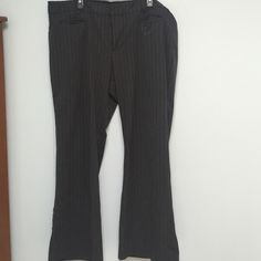 Old Navy Trousers Sz 20 Old Navy Essential Stretch Trousers. Sz 20. low waist. Charcoal with a pink Pinstripe. Worn once. Old Navy Pants Trousers