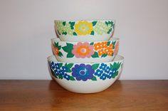 Nesting Finel Elisa Enamel Floral Bowls Set by CobblestonesVintage