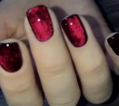 Red Sparkle Nails, Red Gel Nails, Glow Nails, Red Glitter Nail Polish, Red Black Nails, Velvet Nails, Minimalist Nails, Nagel Gel, Best Acrylic Nails