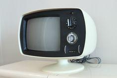 Philco Pedastel White Tv, Televisions, Box Tv, Space Age, Mid Century Design, Radios, Pantone, Engineering, Electric