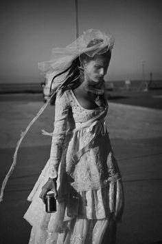 Runaway Bride – Isabeli Fontana wears bridal gowns in a stunning black and white story by Peter Lindbergh (2b Management) for the April issue of Vogue Paris.