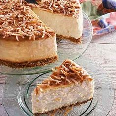 Pineapple Delight Cheesecake - Ingredients: Crust: 1 cups graham cracker crumbs cup Land O Lakes® Butter, meltedRead more › Great Desserts, Delicious Desserts, Dessert Recipes, Yummy Food, Yummy Yummy, Blueberry Pie Recipes, Cheesecake Recipes, Cheesecake Deserts, Yummy Treats