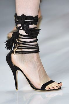 #Etro Black lace-up Sandal MIlan FW Sping 2010 for the perfect summer evening