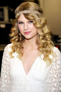 Taylor Swifts Hair Transformations