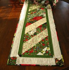 Holiday table runner Moda's Elegance machine par countrybydesign, $45,00