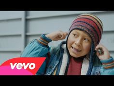 Naughty Boy - La La La ft. Sam Smith - YouTube