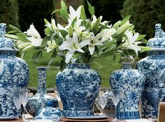 Chinoiserie Chic: blue and white Chinese porcelain