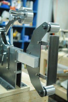 Metal Working Tools, Metal Tools, Homemade Tools, Diy Tools, 2x72 Belt Grinder Plans, Metal Sheet Design, Wood Sanders, Bench Sander, Knife Grinder