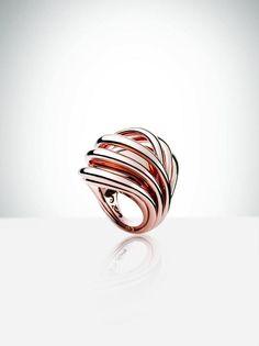 De Grisogono High Jewelry, Gold Jewelry, Jewelry Rings, Jewelery, Vintage Jewelry, Jewelry Accessories, Jewelry Design, Fashion Earrings, Fashion Jewelry