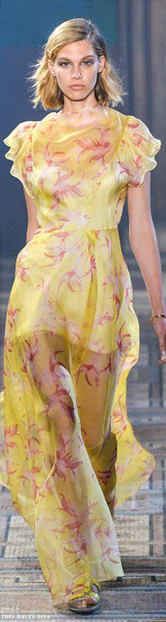 Runway Fashion, Fashion Models, High Fashion, Yellow Fashion, Floral Fashion, Classic Style Women, Shades Of Yellow, Designer Gowns, Mellow Yellow
