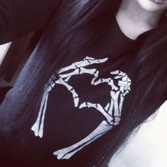 Cute t-shirt , skeleton hands, heart, cute