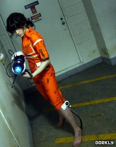 chell cosplay ... awesome