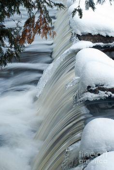 ✯ Upper most part of Bond Falls, Paulding, Michigan
