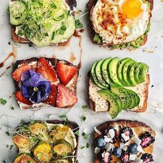 Repost Friday toasts with cream cheese cucumber avocado egg hummus avocado almond butter berries hummus brussels cream cheese strawberrywith honey By Easy Healthy Recipes, Raw Food Recipes, Food Network Recipes, Wine Recipes, Cooking Recipes, Delicious Recipes, Yummy Snacks, Yummy Food, Sandwiches