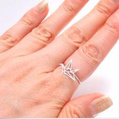 Anillo Sencillo Origami Color Plata  4,50 €   https://pixidixi.com/anillo-sencillo-origami-plata/