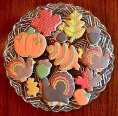 Thanksgiving Cookie Platter | #thanksgiving #autumn #holiday #food #desserts #baking Turkey Cookies, Fall Cookies, Cut Out Cookies, Cute Cookies, Pumpkin Cookies, How To Make Cookies, Holiday Cookies, Holiday Treats, Holiday Fun